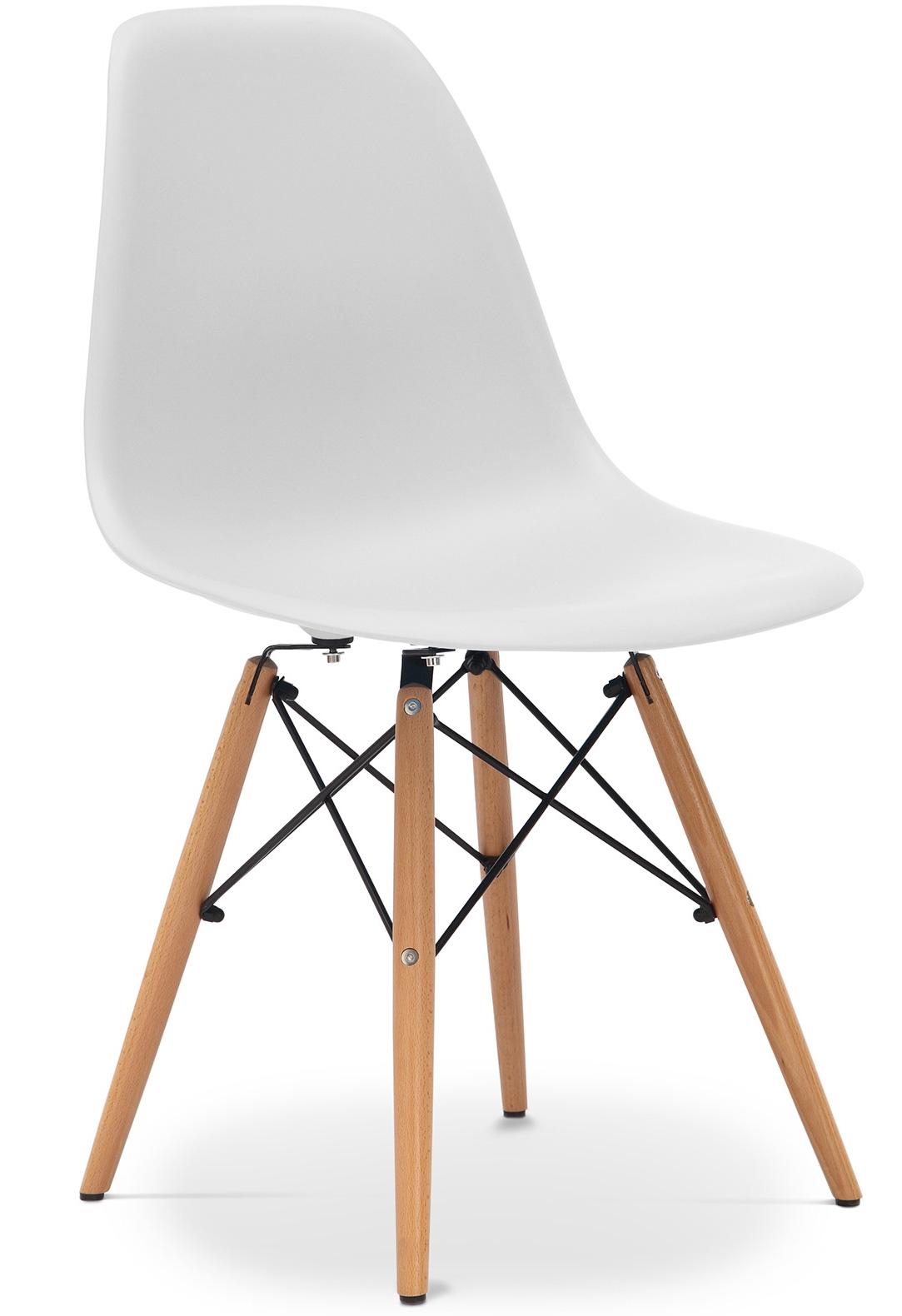 Chaise gris clair mat pieds h tre clair inspir e dsw for Pied chaise dsw