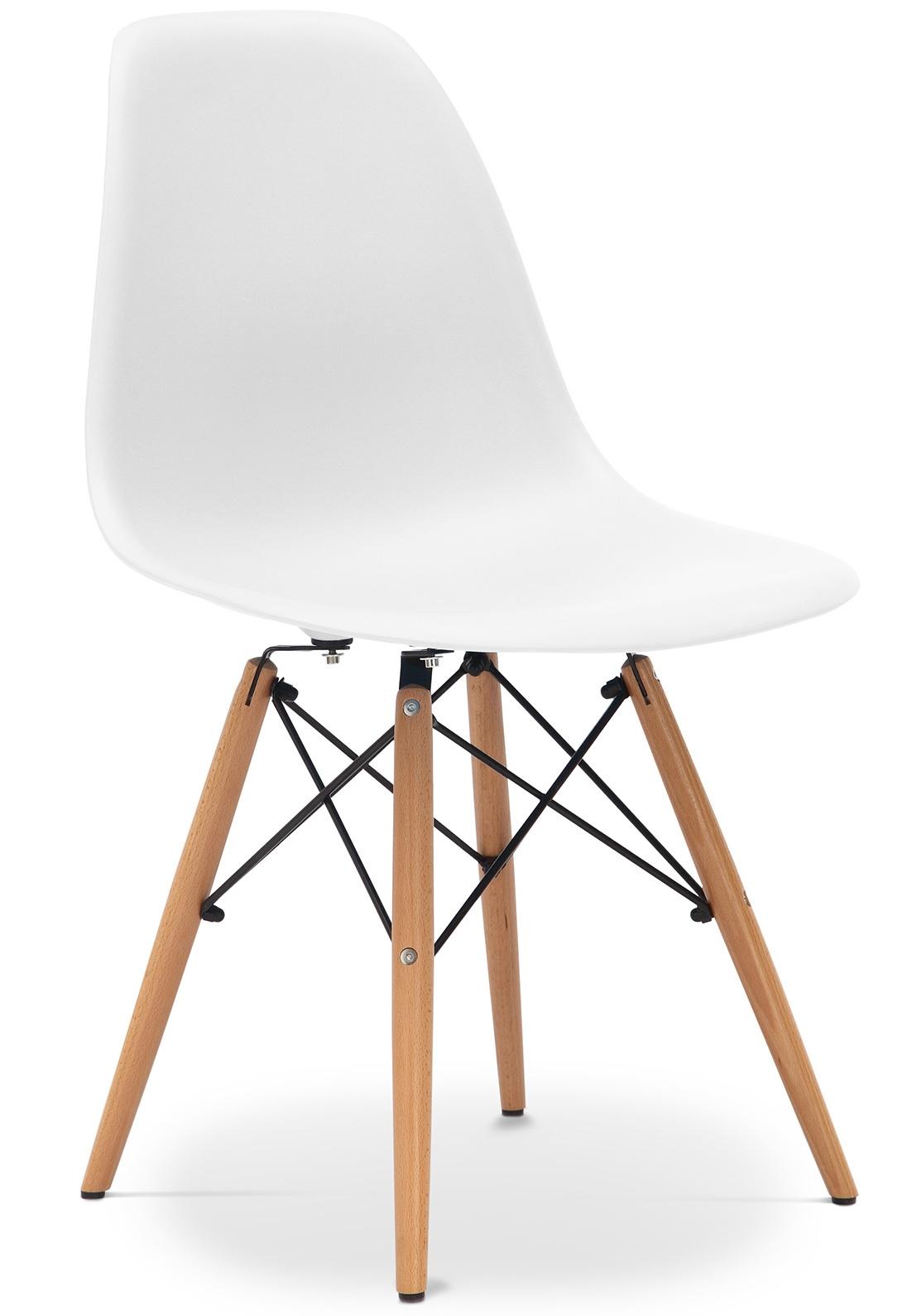 chaise polypropyl ne blanc mat et pieds h tre clair inspir e dsw. Black Bedroom Furniture Sets. Home Design Ideas