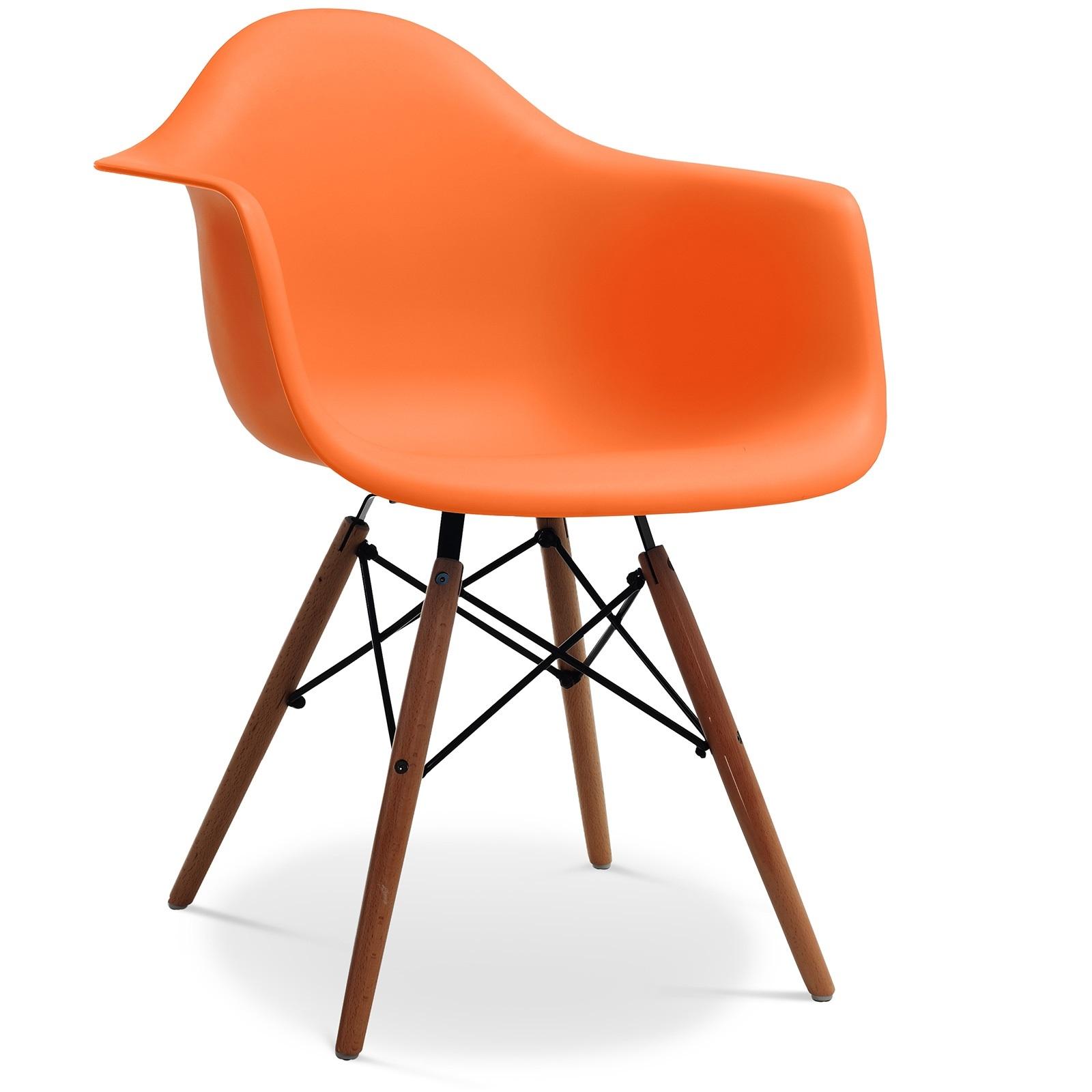 Fauteuil polypropyl ne orange pieds bois fonc inspir e for Chaise eames pied bois