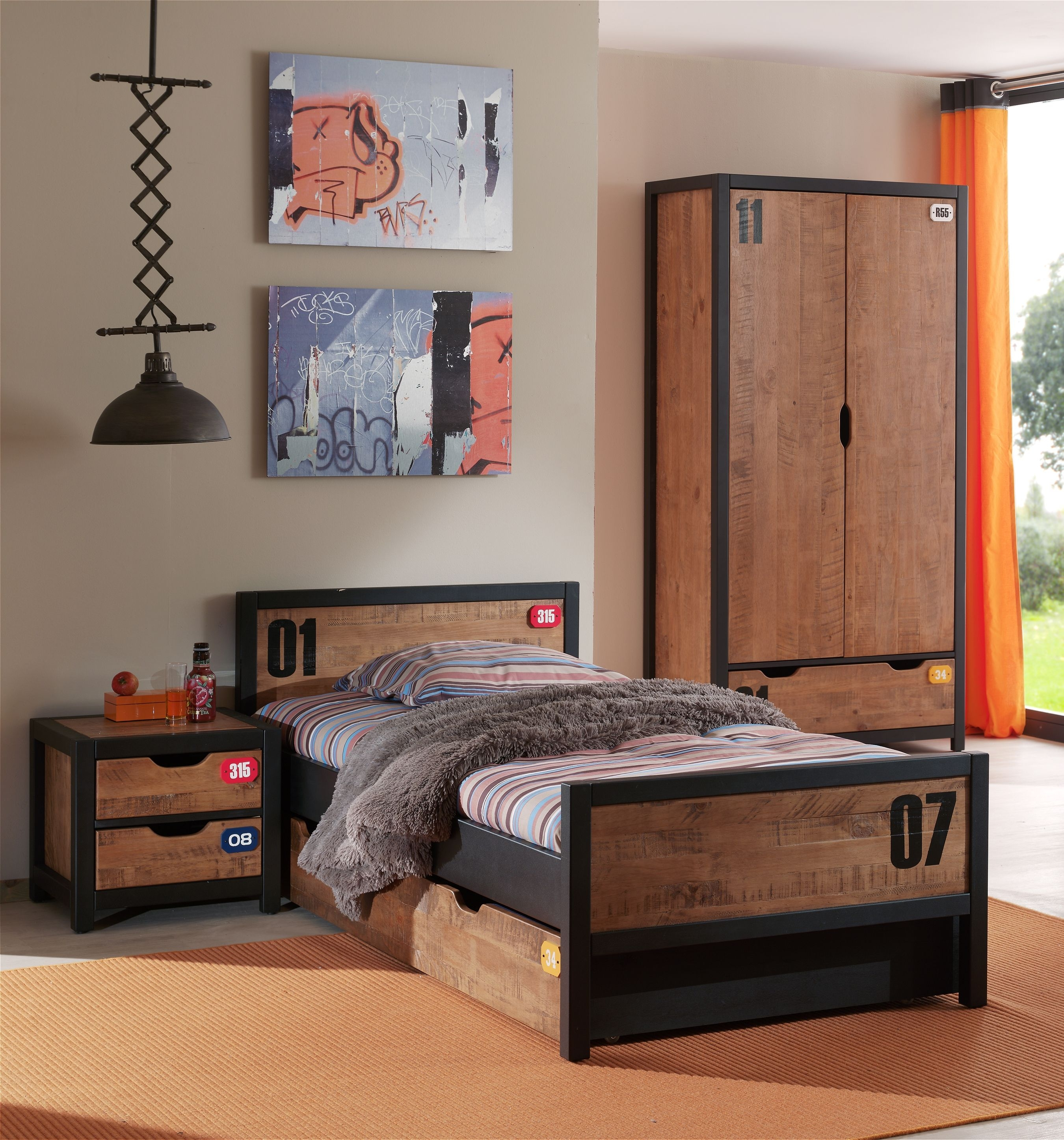 chambre avec armoire 2 portes bois massif marron. Black Bedroom Furniture Sets. Home Design Ideas