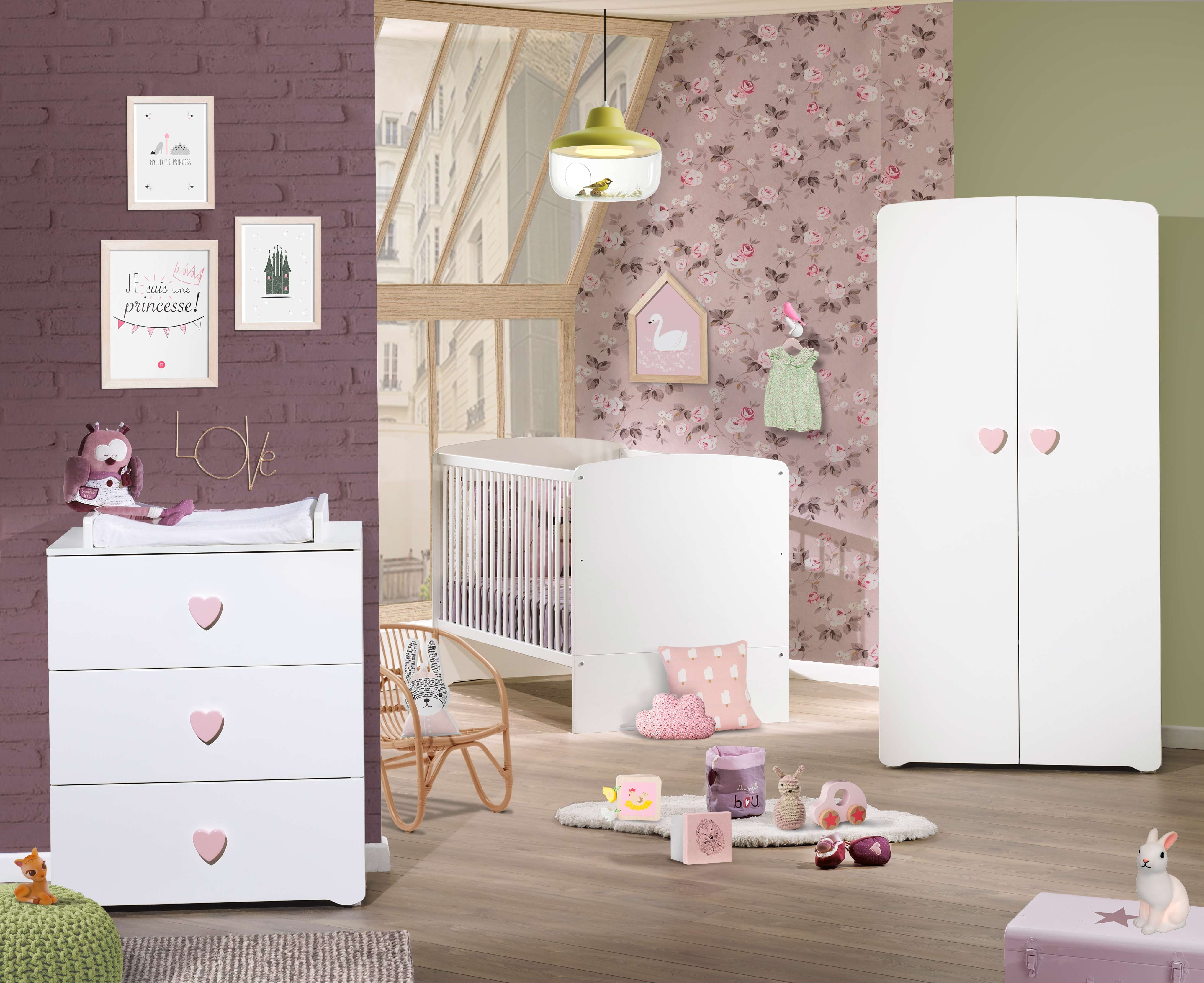 View images chambre bb lit tte bouton coeur rose basic x for Chambre bb paris