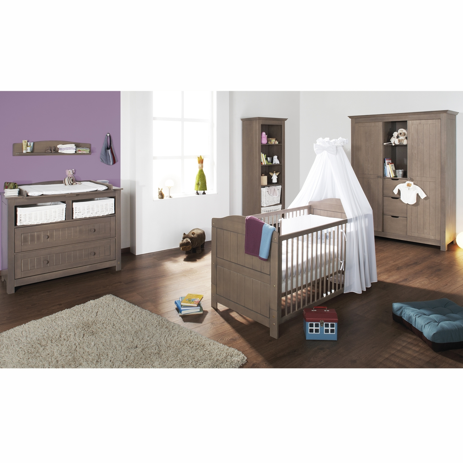 Chambre taupe et lin for Photo chambre bebe