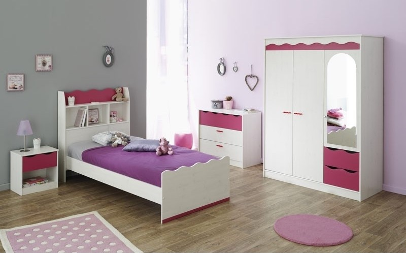 chambre blanc et violet lola. Black Bedroom Furniture Sets. Home Design Ideas