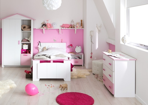 chambre fille blanche et rose eglantine. Black Bedroom Furniture Sets. Home Design Ideas