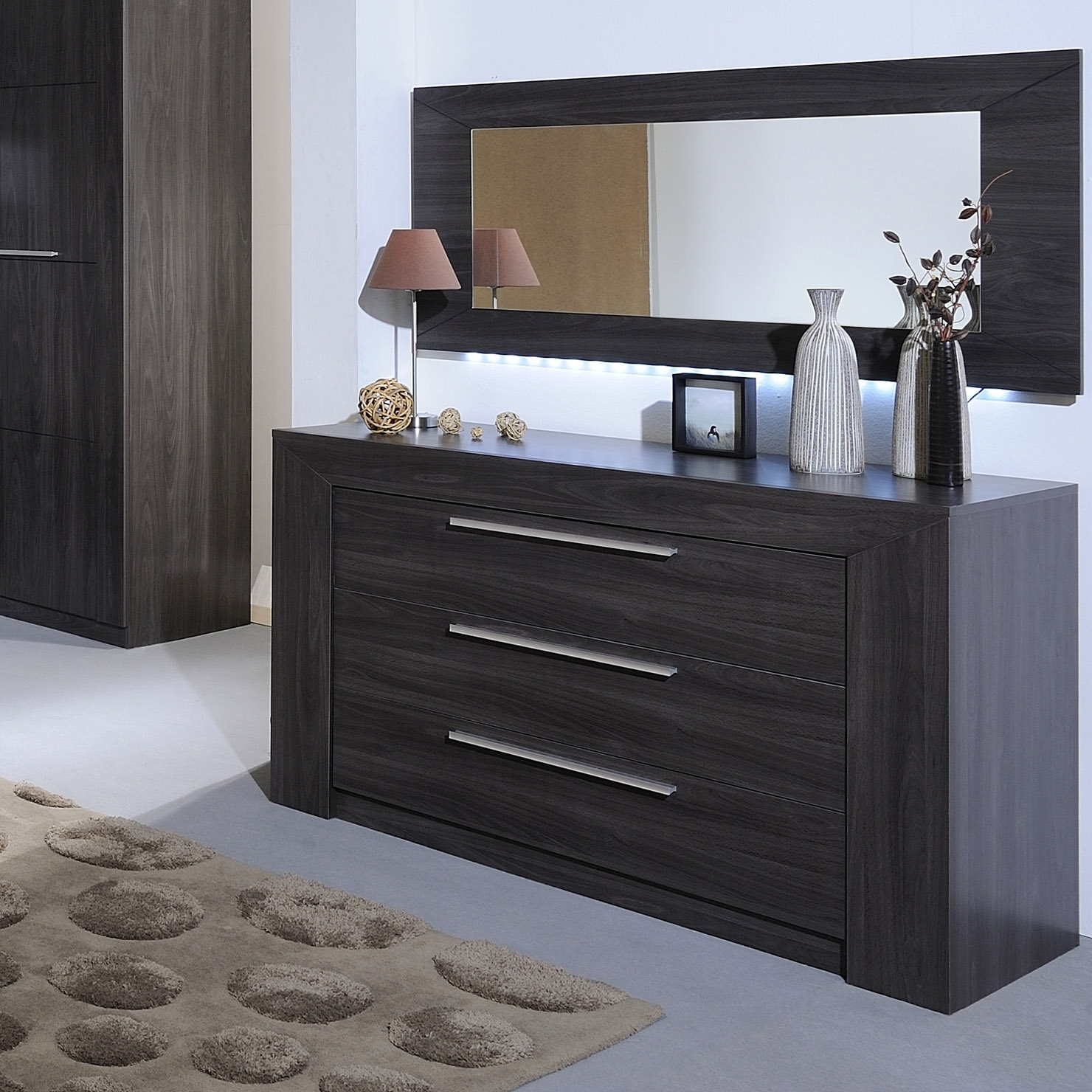 commode weng carmona. Black Bedroom Furniture Sets. Home Design Ideas