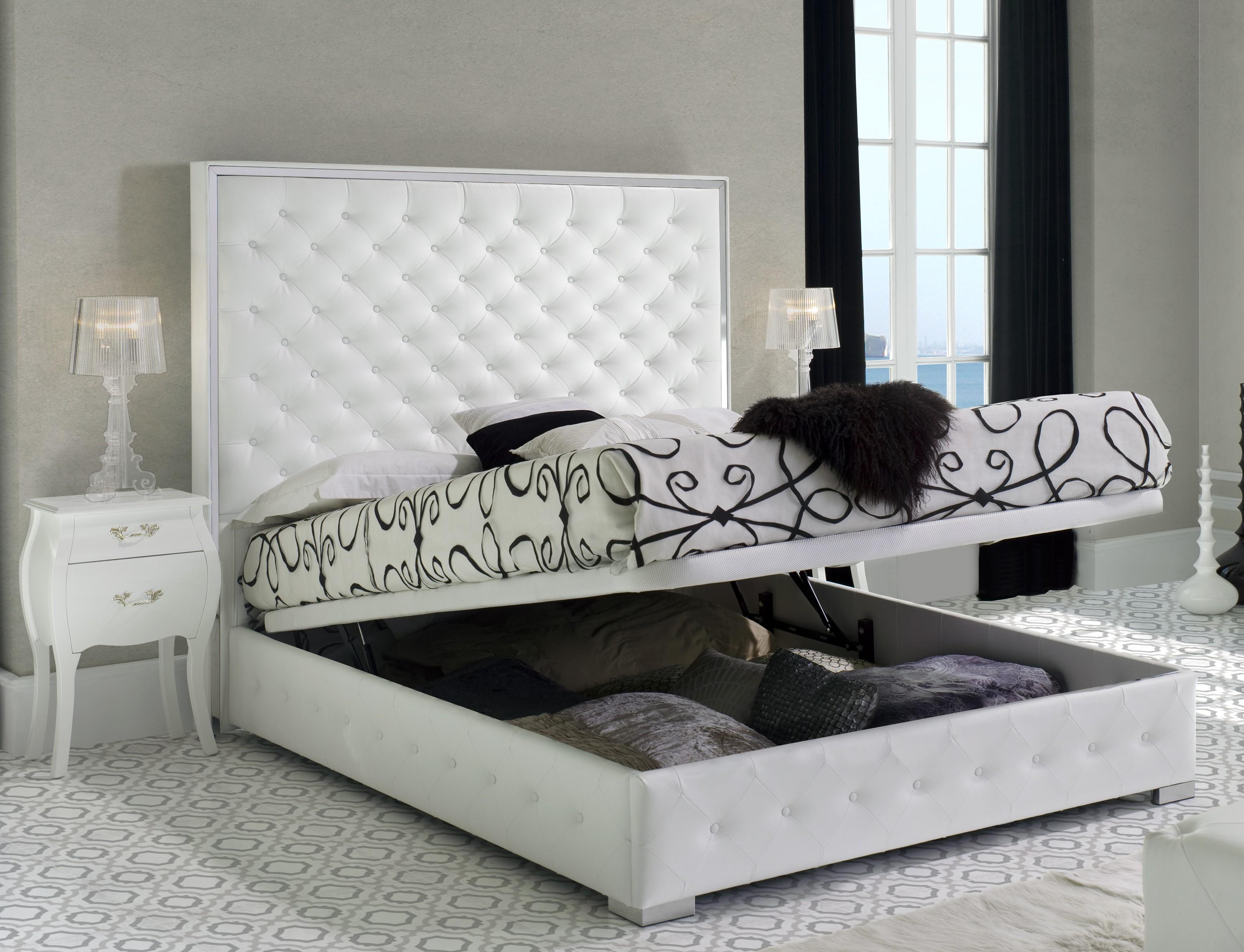 Charmant Lit Coffre King Size Capitonné Simili Blanc Bony 180 Couchage 180 X 200 Cm  | LesTendances.fr