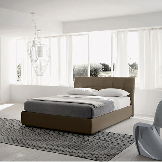 lit cuir taupe avec coffre milan. Black Bedroom Furniture Sets. Home Design Ideas