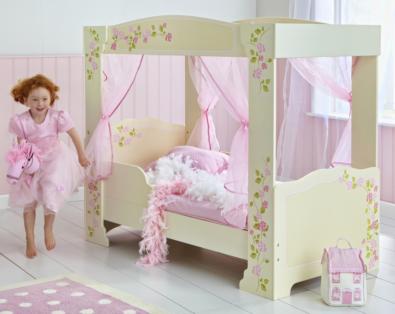 lit fille baldaquin. Black Bedroom Furniture Sets. Home Design Ideas