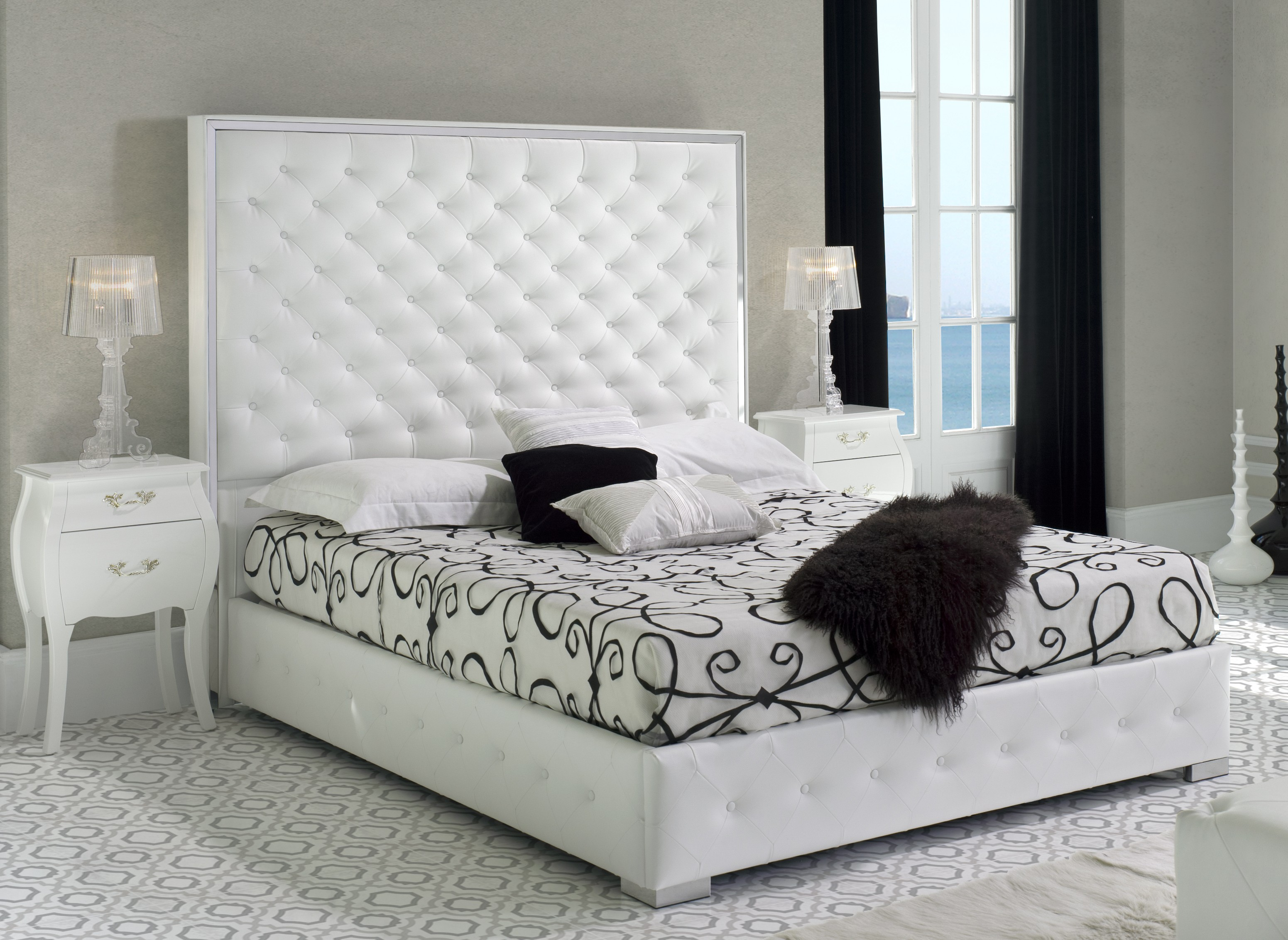 lit king size capitonn simili blanc bony 160 couchage 160 x 200 cm. Black Bedroom Furniture Sets. Home Design Ideas