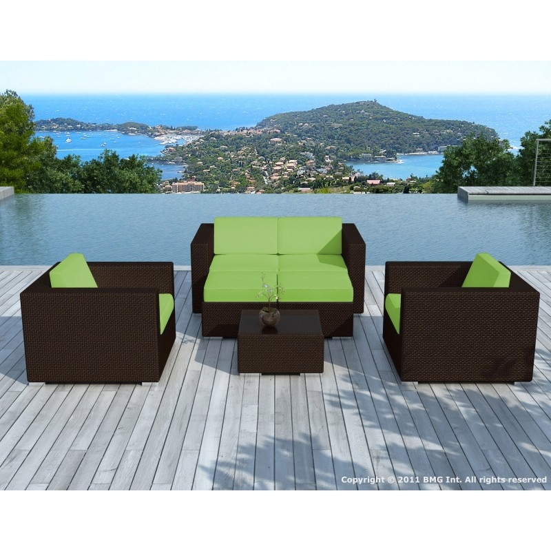 Salon de jardin en r sine tress e marron et vert calvi for Salon de jardin resine tressee marron