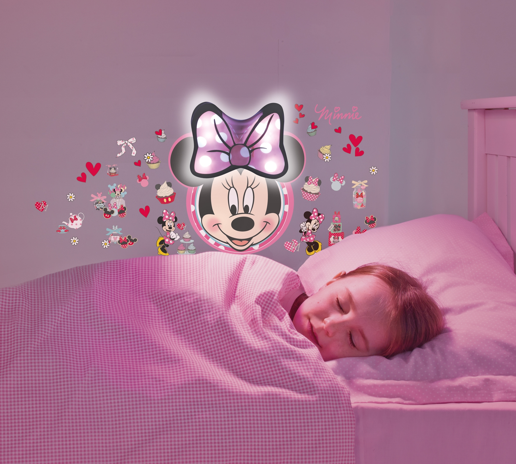 Stickers lumineux minnie mouse - Decoration chambre minnie ...