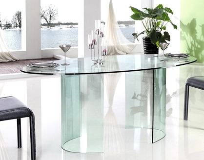 table manger ovale verre transparent tara. Black Bedroom Furniture Sets. Home Design Ideas