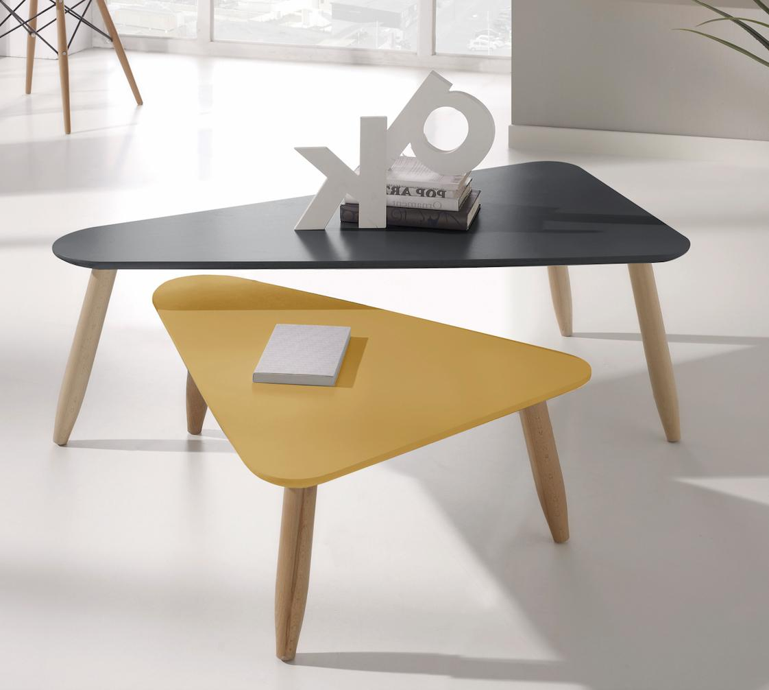 table basse gigogne triangulaire laqu e gris et moutarde egon. Black Bedroom Furniture Sets. Home Design Ideas