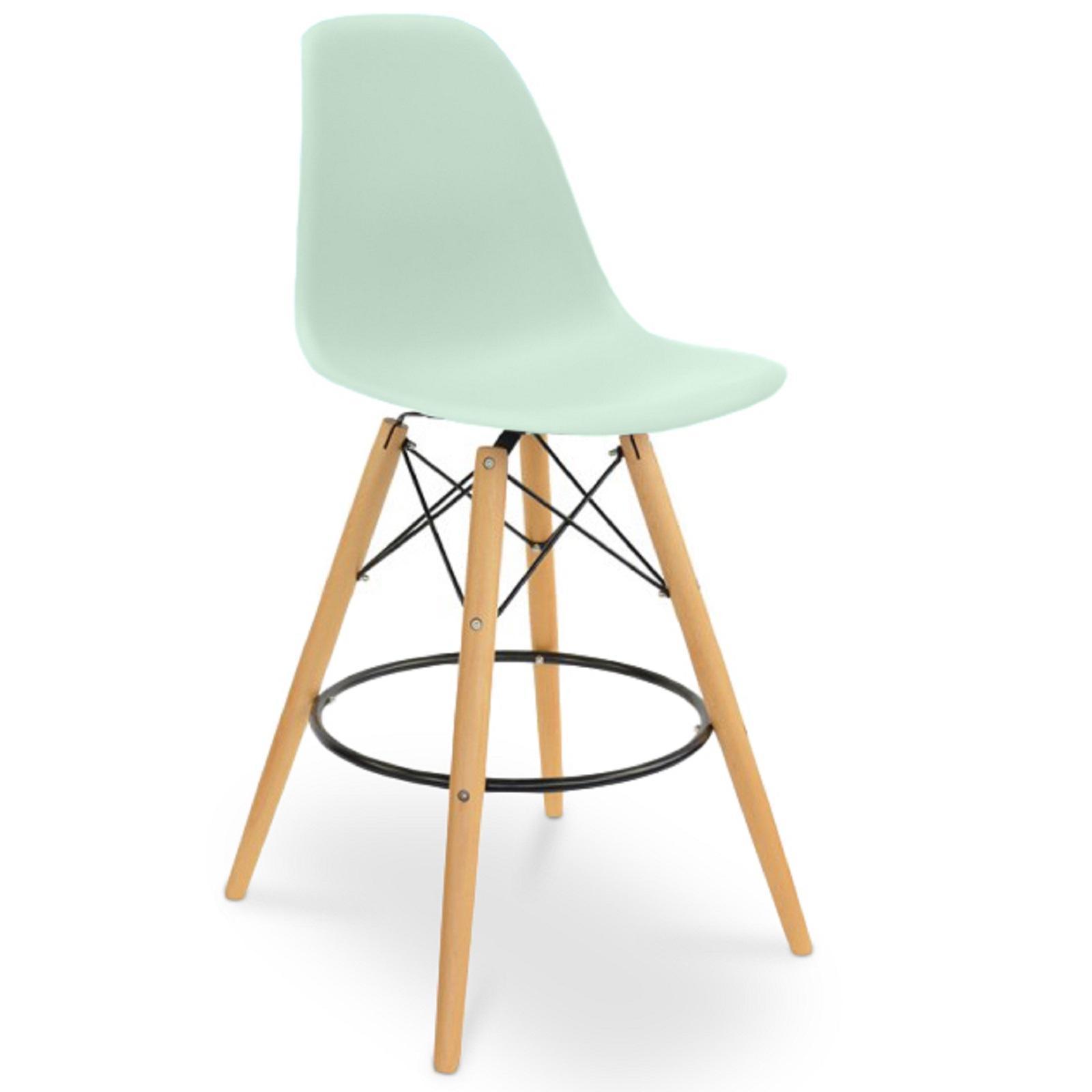 tabouret polypropyl ne vert pastel mat et h tre massif. Black Bedroom Furniture Sets. Home Design Ideas